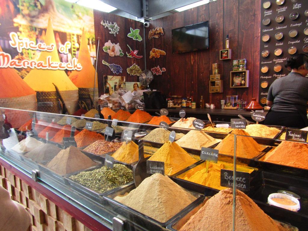 épices en vrac au marché de Rotterdam