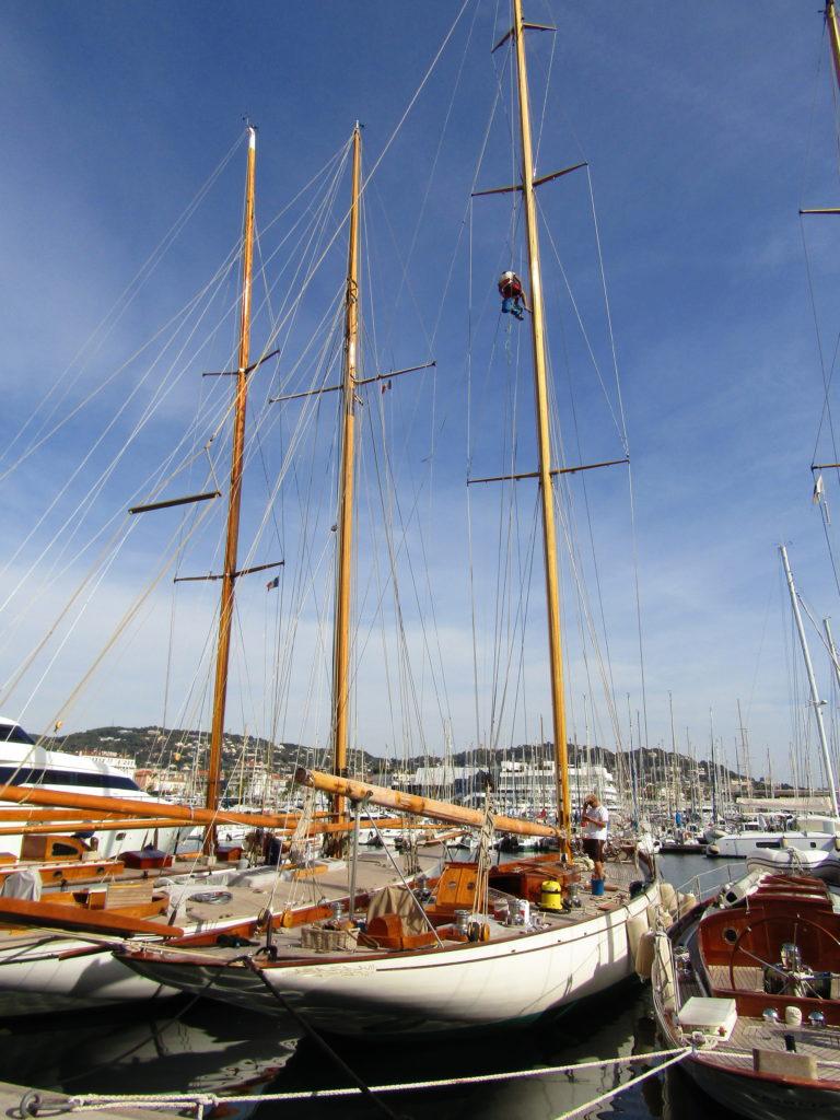 Un voilier à Cannes