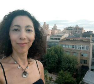 Terrasse d hotel vue Pedrera Barcelone en été
