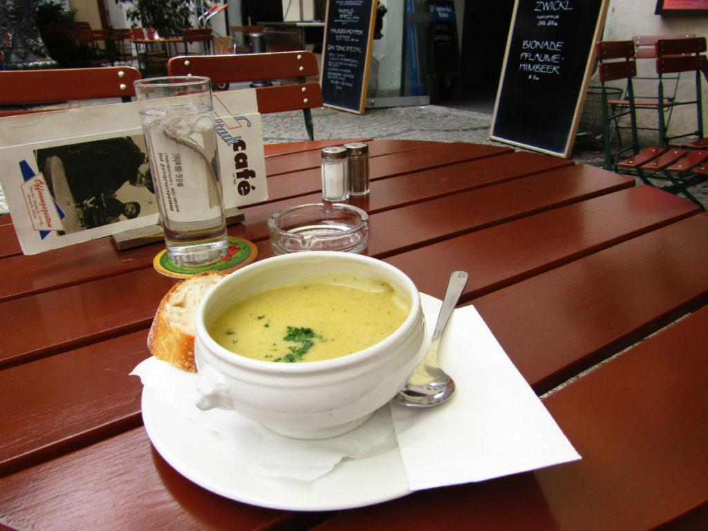 Fodmap diet Munich Soup Film Museum Cafe Munich