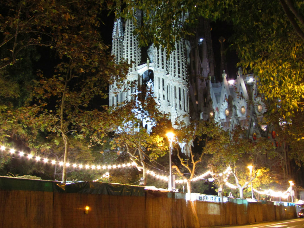 Christmas market at Sagrada Familia