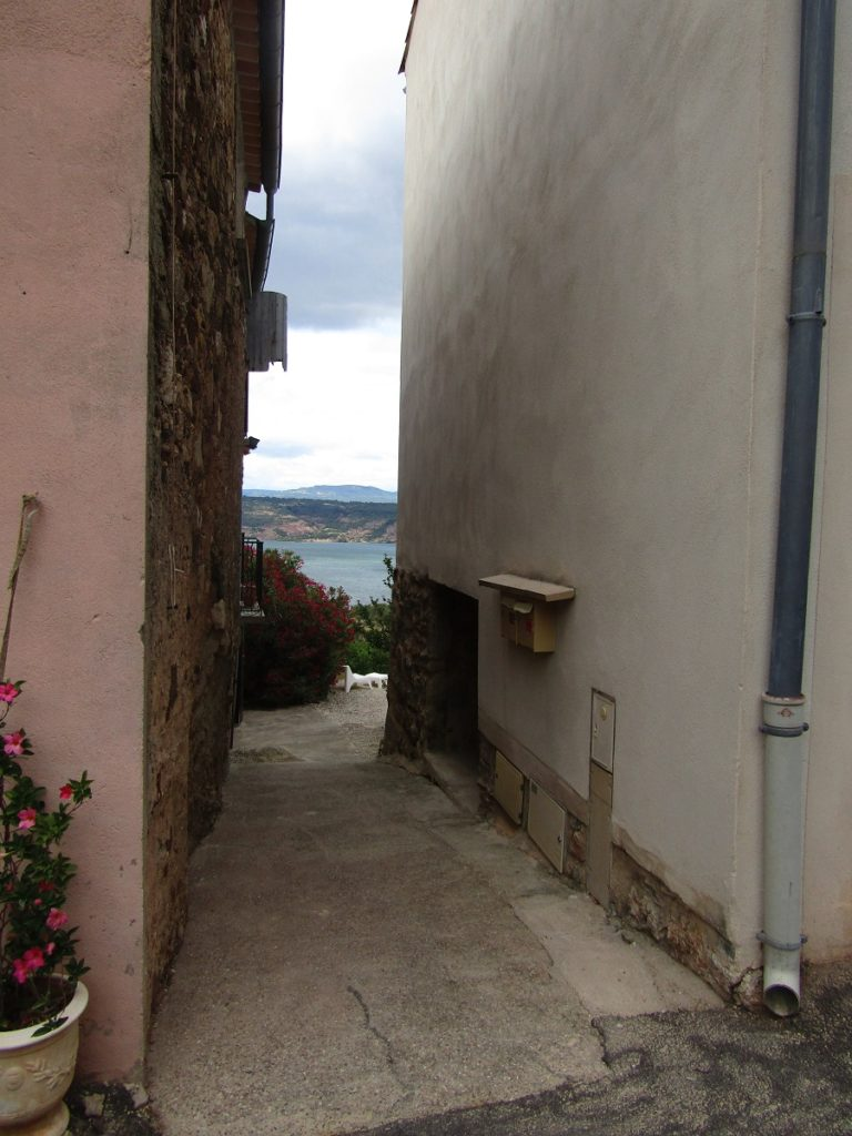View on the Salagou lake from the alleys of Liausson