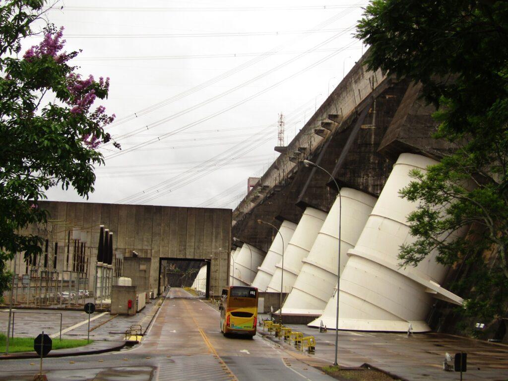 Itaipu bus tour Iguazu