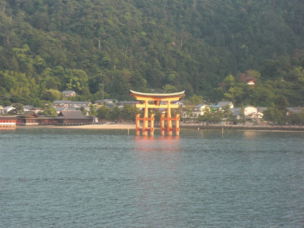 red torii called the Shinto gate of Miyajima the best things to see in Japan