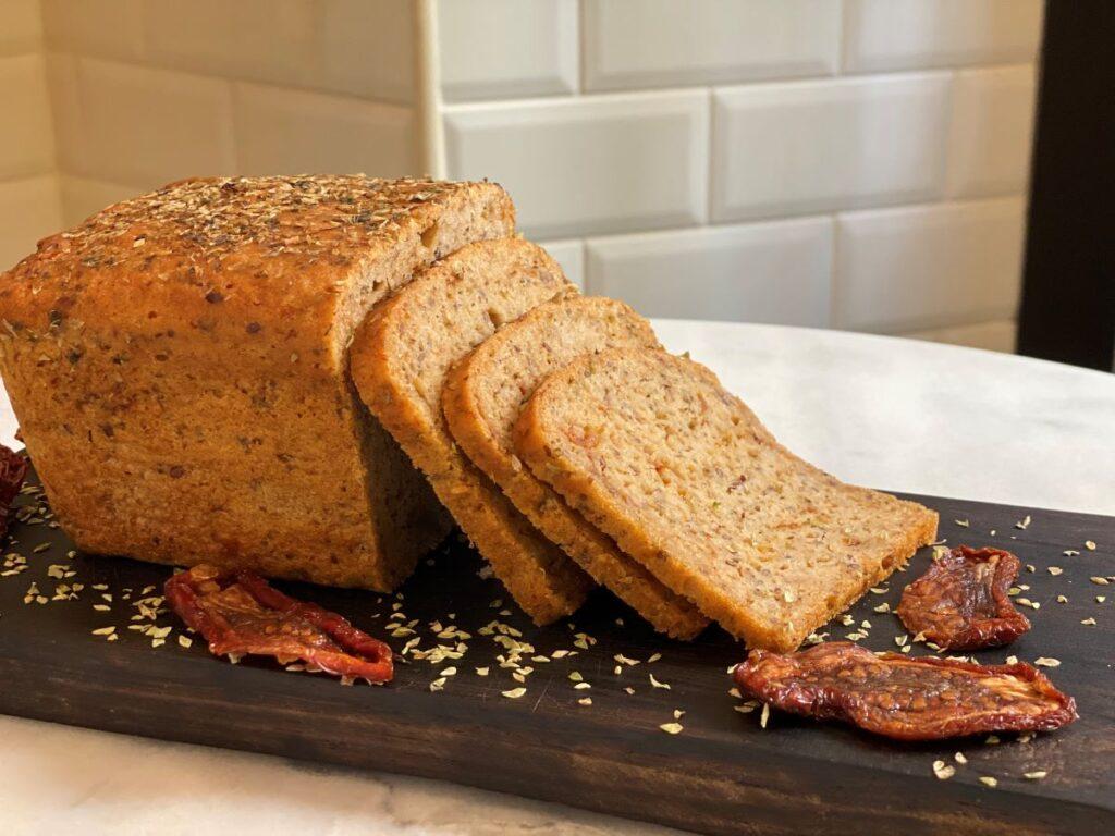 eat healthy at Obrador de la Nena Gluten free* bread with dry tomato